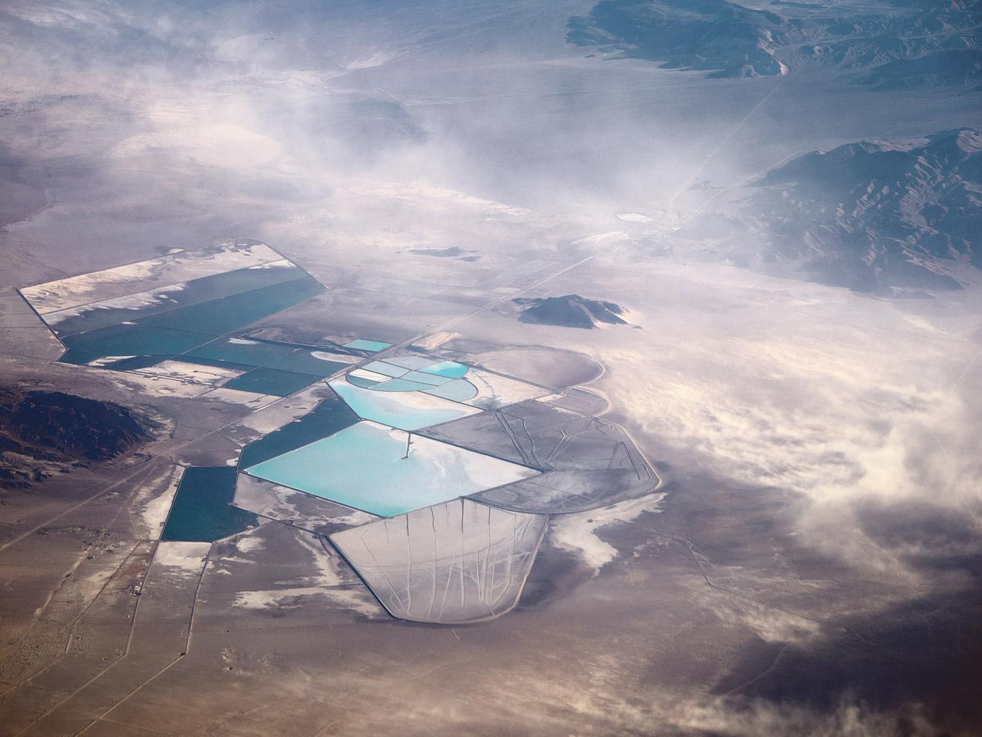 Lithium-Mine in den USA aus der Vogelperspektive