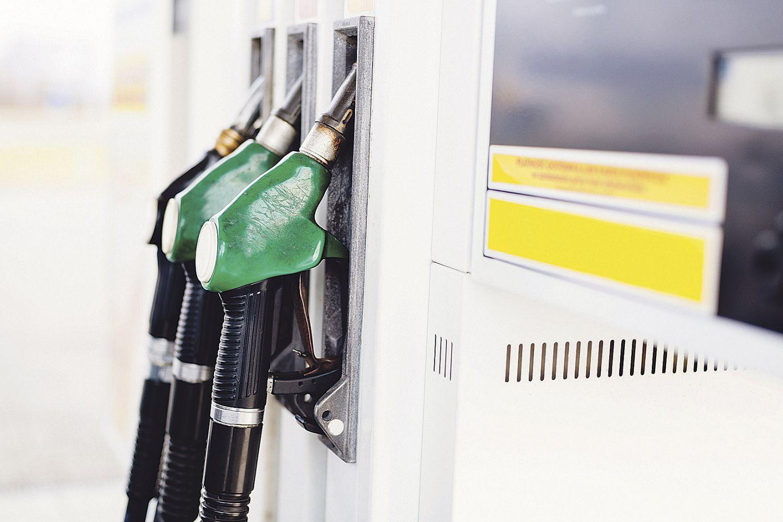 Zapfsäulen an der Tankstelle. Thema: Biokraftstoffe